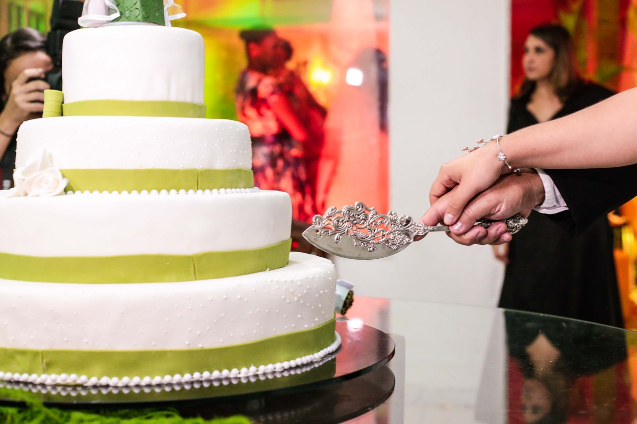 wedding-cake-478315_1280